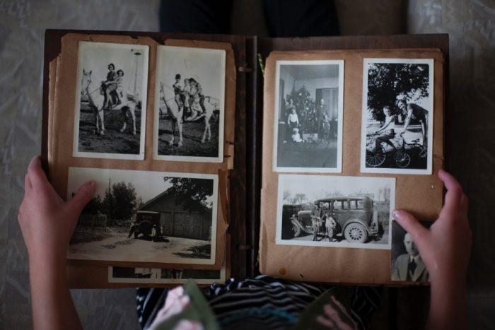 Ein altes Fotoalbum kann auch zum Inventar eines Nachlassverzeichnisses gehören.